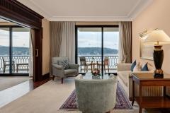 vali-suite-living-room