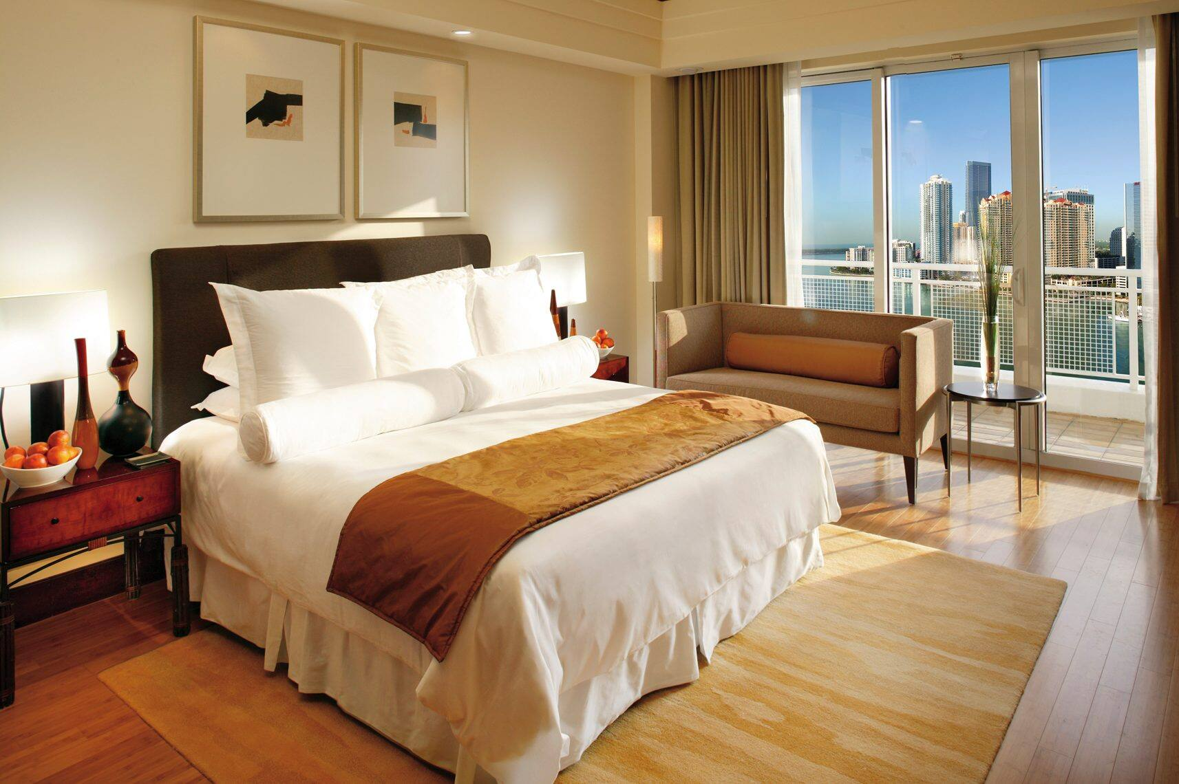 miami-suite-mandarin-suite-bedroom-day.jpg