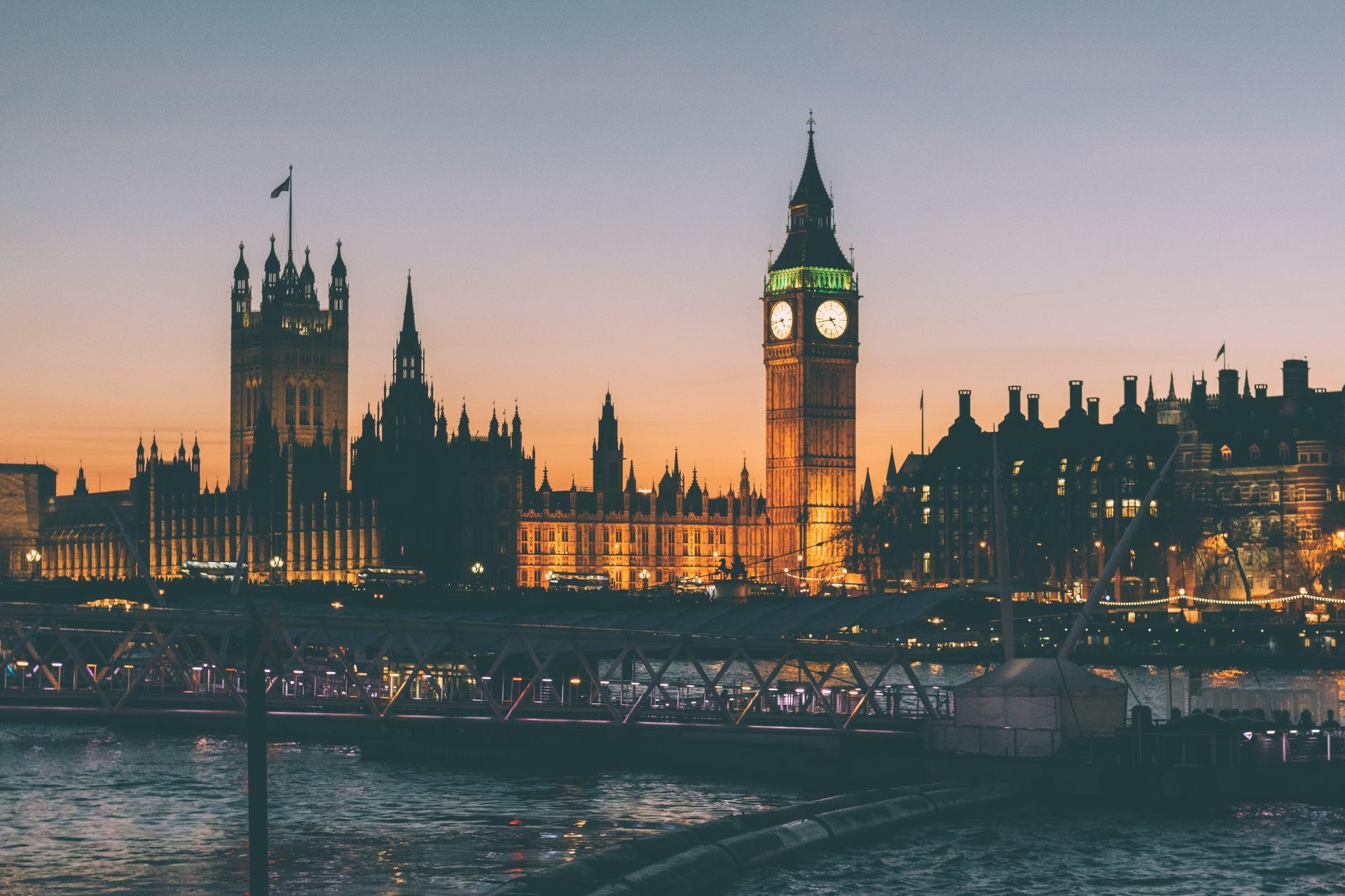london-night-lights-bridge-50632